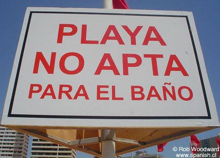 Playa no apta para el baño Sign in Spanish